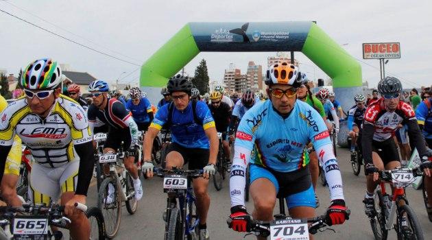 Largada Vuelta Ballenas 2014