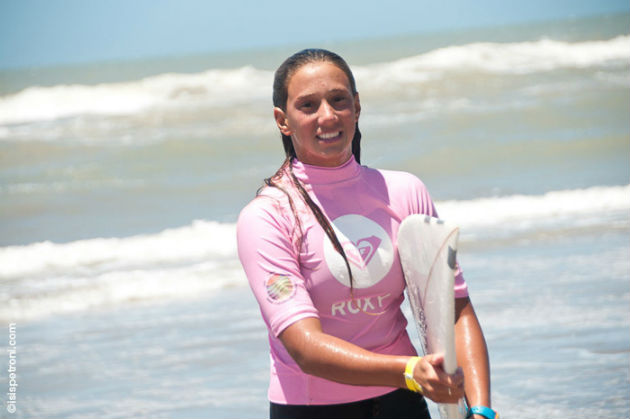 Lucia_Indurain_Surf