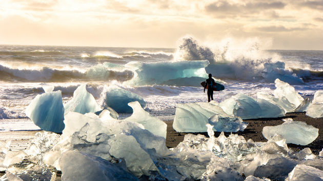 icebergs-sunset-surfer